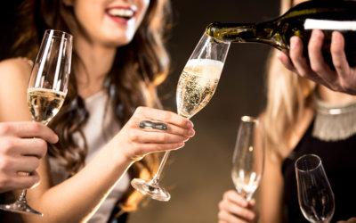 Enjoy your evening at Bar Haven with champagne and friends