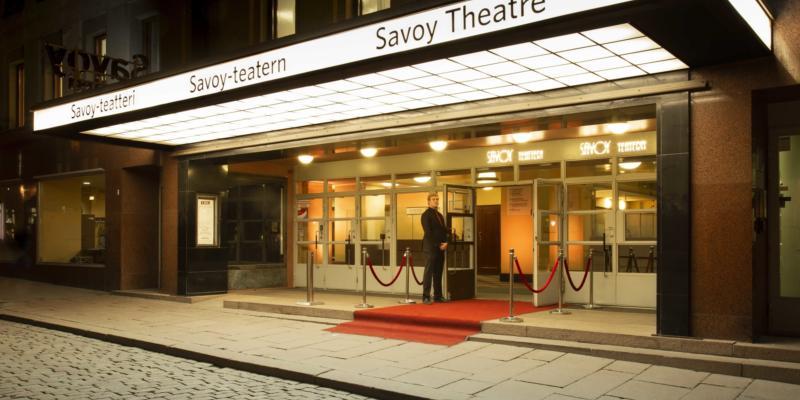 Savoy-teatteri on sinun valintasi, kun haluat nauttia laadukkaasta taiteesta ja viihteestä upeissa art deco –henkisissä puitteissa.